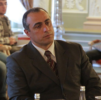 Vakhusti Pazrtsvania: The Georgian opposition is governed by the foreign missioners