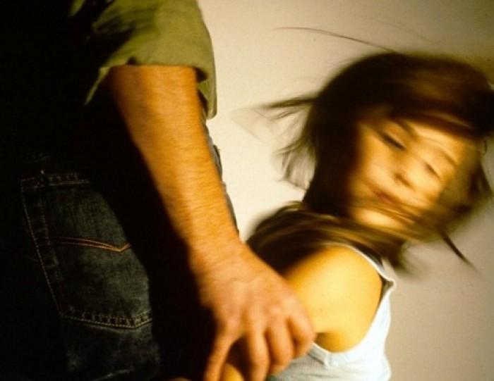 В Челябинске педофил, надругавшийся над 8-летней девочкой в подъезде